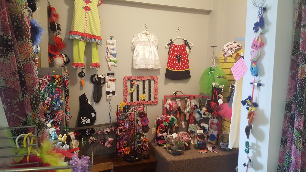 Little girls dream room complete with bows & tutu's!!